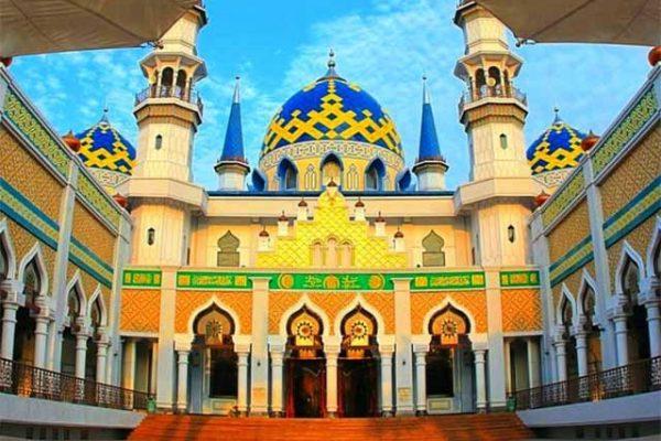 tampak depan masjid agung tuban